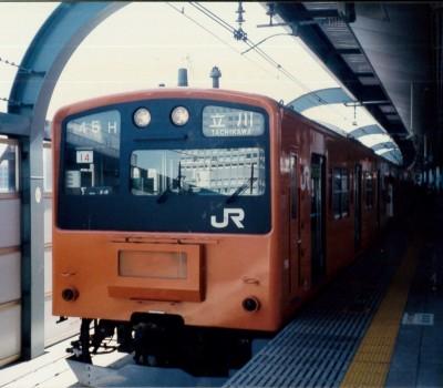 オレンジ色の201系がもうすぐ消滅か? 大阪環状線・ゆめ咲線(桜島線)の201系から